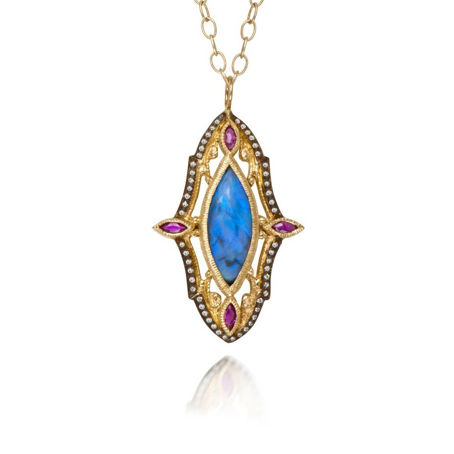 0509404_20151111163615_22_N613b_ornate_opal-ruby.jpg