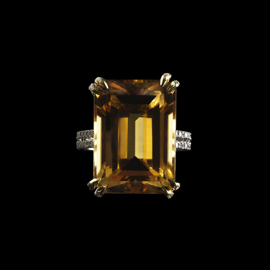 0532555_20151111162655_76_SIGNATURE_Alexandra_Mor_Yellow_Citrine___Diamond_Ring_Black_BG_RGB_Top.jpg