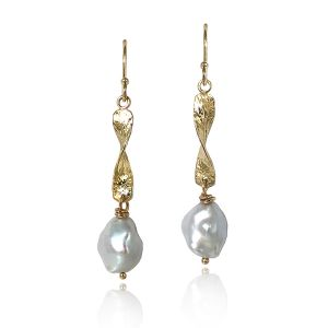 Twizzle Pearl Earrings